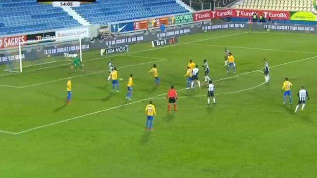 Bruno Paixão anula golo do Portimonense com recurso ao VAR