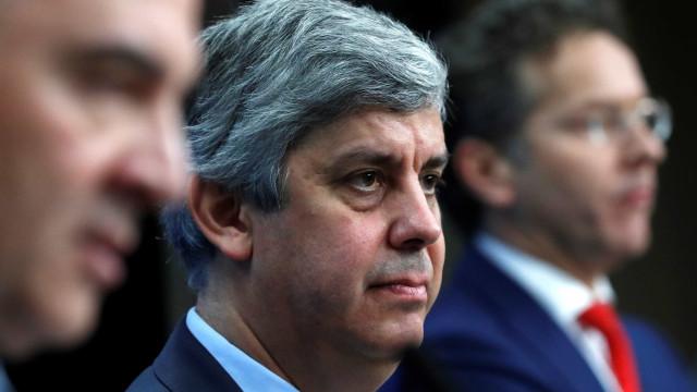 "Centeno, do Eurogrupo, recomenda ""medidas adicionais"" a Centeno, ministro"