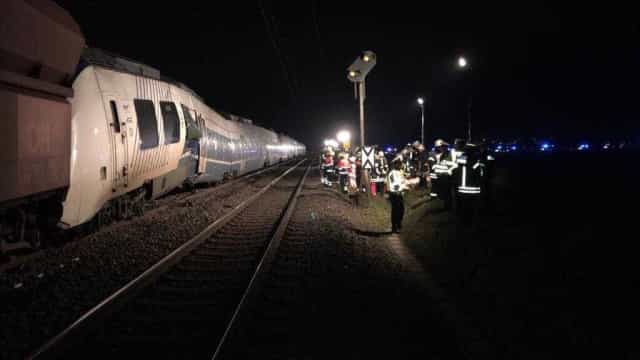 Colisão de comboio na Alemanha faz dezenas de feridos