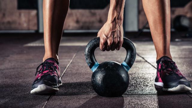 Os piores hábitos que pode ter no ginásio