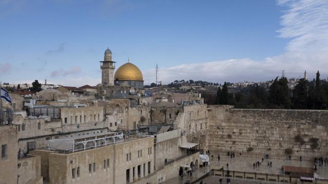 Palestinianos recusam mediação dos EUA sem recuo em decisão de Jerusalém
