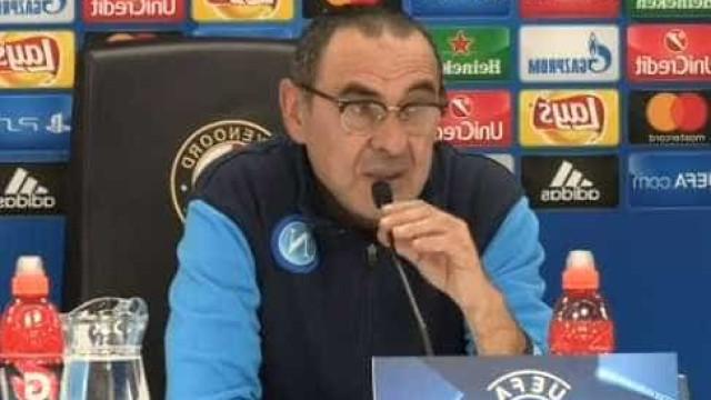 Sarri perde a cabeça com jornalista e até do Benfica fala