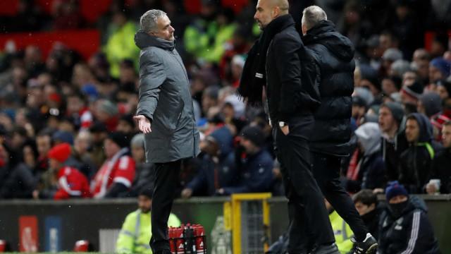 """Mourinho 'atira-se' ao Manchester City: """"O dinheiro não compra classe"""""""