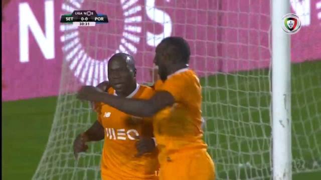 Aboubakar abre o marcador, Couceiro indigna-se e é expulso