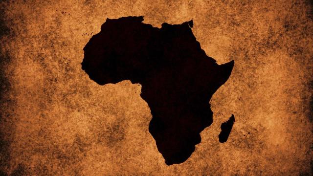 """""""Portugal entra no processo de descolonização de África, não o inicia"""""""