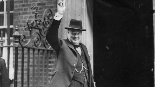 Livro investiga papel de Churchill no início da Segunda Guerra Mundial