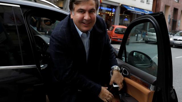 Ex-presidente georgiano Saakashvili libertado por tribunal da Ucrânia
