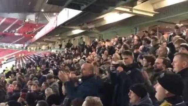"""Adeptos do City cantaram sobre o """"autocarro"""" de Mourinho em Old Trafford"""