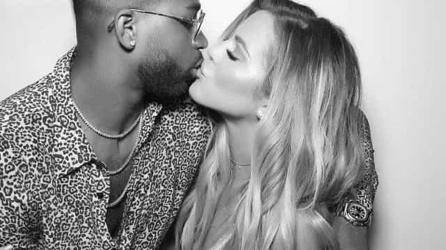 Khloé Kardashian terá perdoado traição de namorado após parto