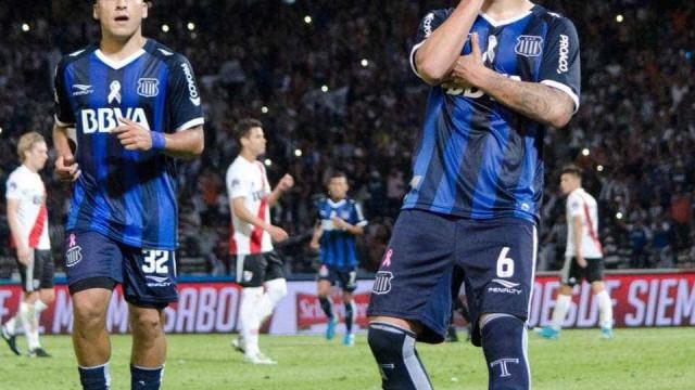 Benfica reforça aposta em Lucas Olaza