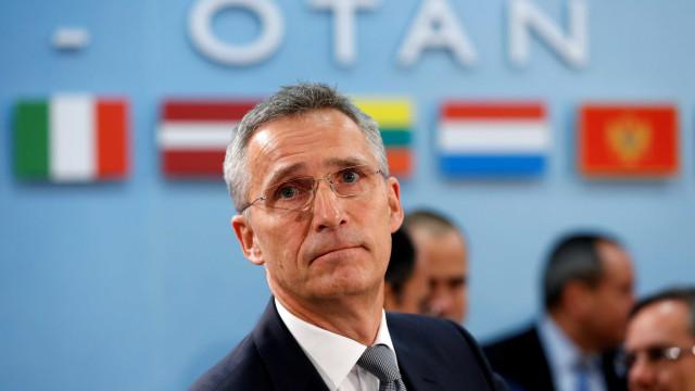 Stoltenberg reconduzido à frente da NATO até 2020