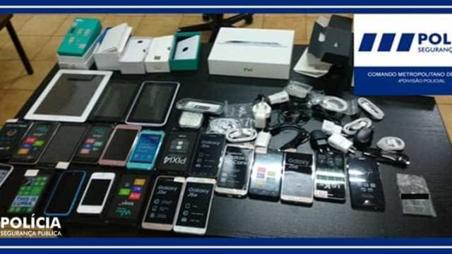 Menores detidos por partirem montra de loja e roubarem telemóveis