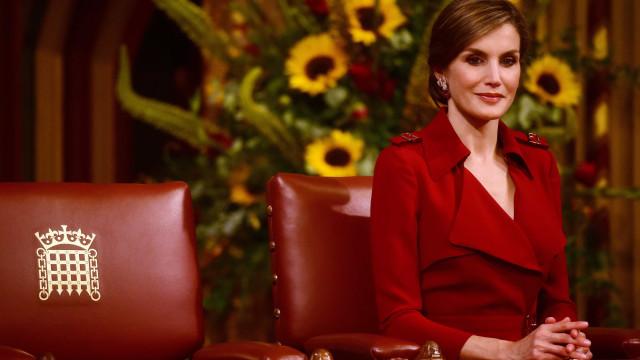 Veja os melhores figurinos da Rainha Letizia em 2017