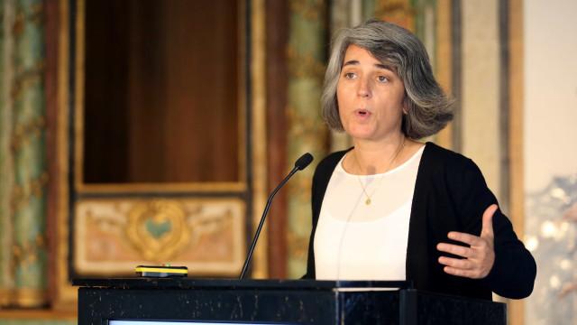 Ministra da Cultura lamenta morte de Helena Ramos e elogia o seu percurso
