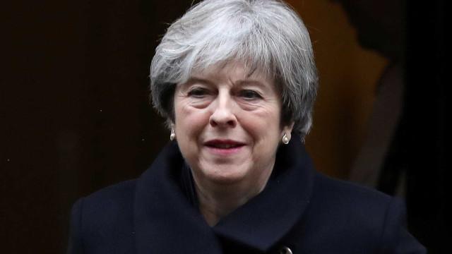 May contra direitos iguais para cidadãos da UE que cheguem após Brexit
