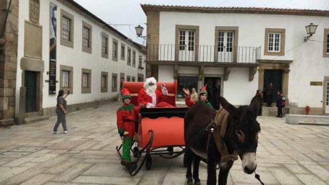 Em Miranda do Douro, o Pai Natal troca as renas pelo burro mirandês