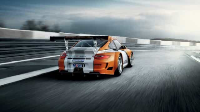 Porsche lança 911 híbrido... para 2024