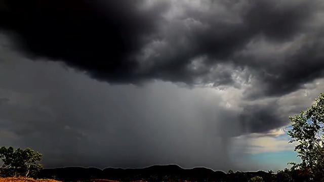 Time-lapse mostra ciclone Dahlia que atingiu a Austrália