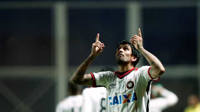 Lucho González despede-se de forma emocionada do Atlético Paranaense