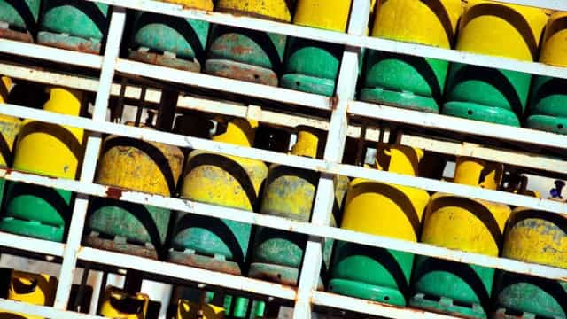 Termina prazo para gasolineiras se adaptarem a regras do gás engarrafado