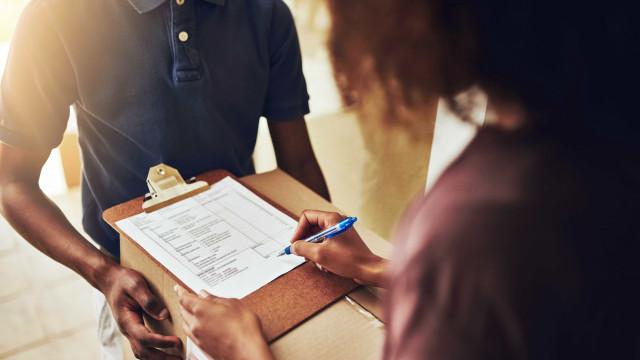 Reclamações a empresas de correio expresso aumentaram 212%