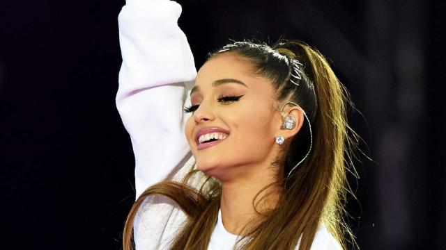 """Confirmação do noivado? Ariana Grande afirma que está """"muito feliz"""""""