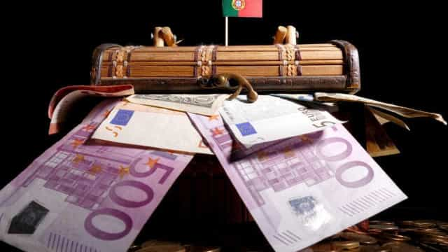 Dívida pública aumentou em março para 126,4% do PIB