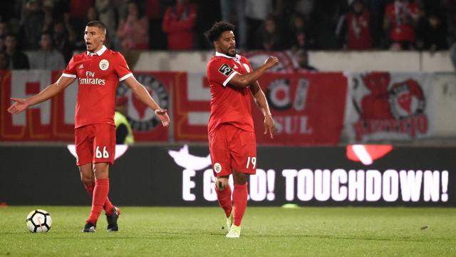 Os jogadores portugueses sem clube que ainda podem agitar o mercado