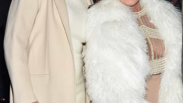 Kris bane Caitlyn de festa de Natal familiar pela primeira vez em 30 anos
