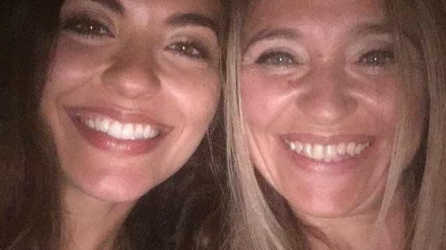 """Atriz divulga foto rara: """"Não é minha irmã. É a brasa da minha mãe"""""""