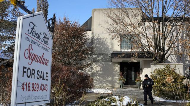 Fundador da farmacêutica canadiana Apotex e mulher morreram estrangulados