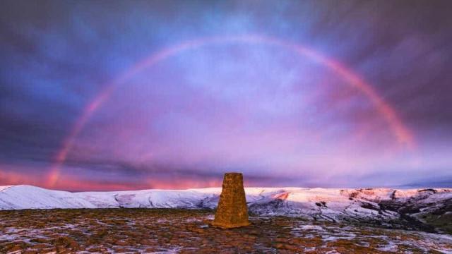 'Snowbow', o fenómeno raríssimo que surpreendeu o Reino Unido
