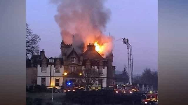 Duas pessoas morreram em incêndio num hotel histórico de 5 estrelas