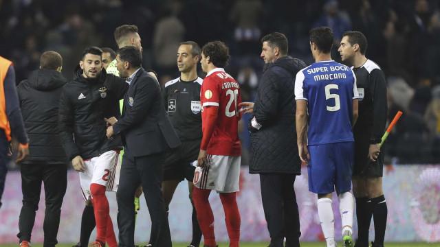 """Benfica fala de """"ameaças"""" e lembra 'jejum' de penáltis contra FC Porto"""