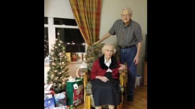 Após 70 anos, casal de idosos passa o primeiro Natal separado