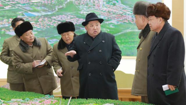 Coreia do Norte já testa mísseis com armas biológicas