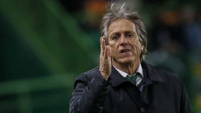 """Jorge Jesus promete """"voltar rapidamente"""" e vê """"futuro"""" para o Sporting"""