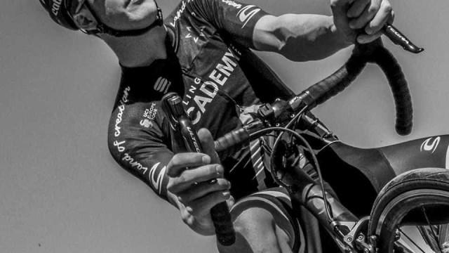 Jovem ciclista morre durante um treino