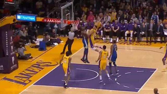 Jogador dos Lakers protagoniza o (muito provável) afundanço do ano