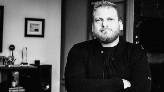 Irmão de Jonah Hill e manager dos Maroon 5 morre aos 40 anos