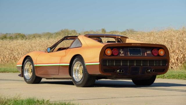 Criador da série 'Justiceiro' modificou um Ferrari 308 GTS
