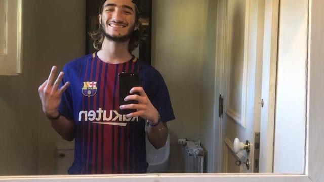 Filho de Mourinho causa polémica com foto com camisola do Barcelona