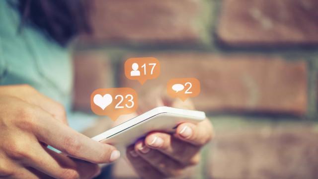 Cinco dicas para dizer 'adeus' ao vício do telemóvel em 2018