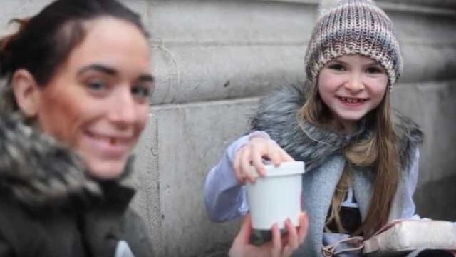 Menina compra refeição a sem-abrigo com o dinheiro do aniversário