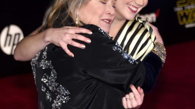Filha de Carrie Fisher foi ver uma aurora boreal para homenagear a mãe