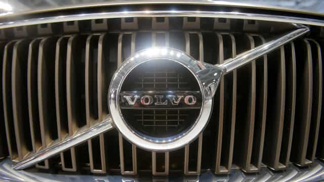 Volvo lança teaser do novo modelo V60