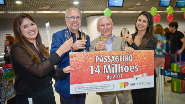 """TAP com mais de 14 milhões de passageiros em 2017. """"Inédito"""" valeu prémio"""