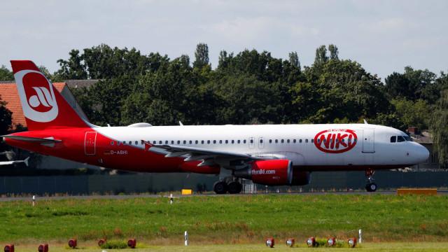 Grupo IAG compra a companhia aérea Niki por 20 milhões de euros