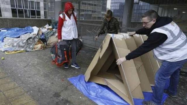 Em Bruxelas, sem-abrigo vão poder dormir em tendas de cartão