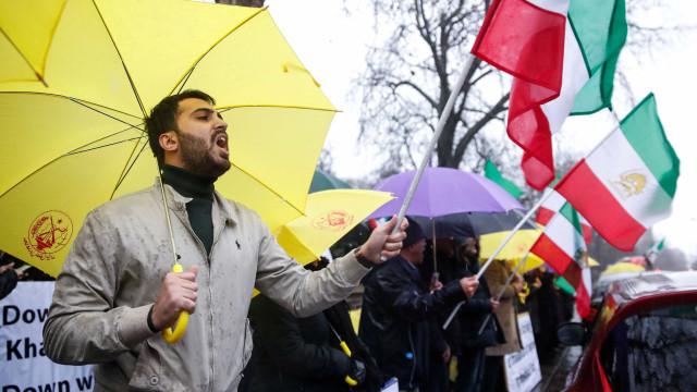 Mais nove mortos em protestos no Irão